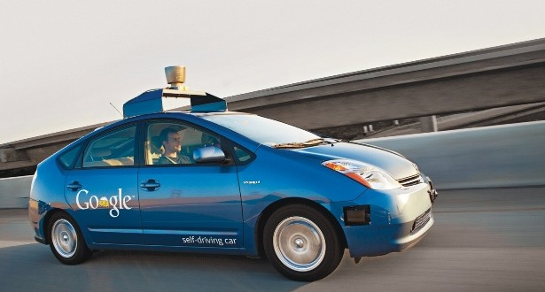 Google Sürücüsüz Otomobil İşine El Attı