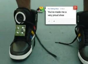 google konusan ayakkabi