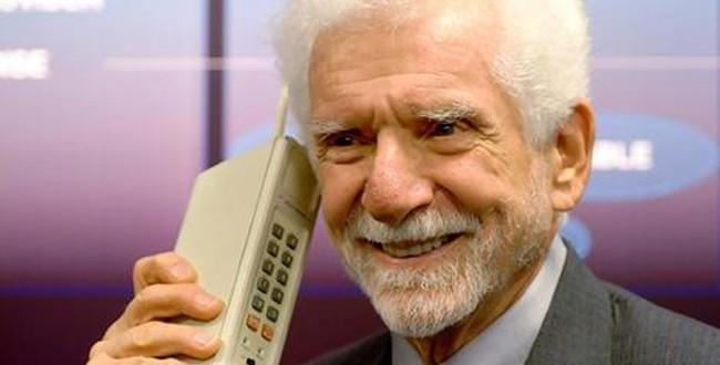Cep Telefonu 40 Yaşına Girdi
