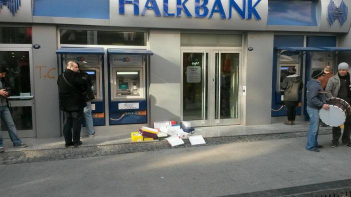 halkbank izmir karsiyaka protestosu