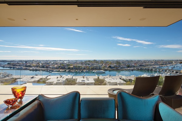 the-11740-square-foot-home-sits-on-an-amazing-lot-overlooking-newport-harbor