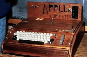 apple 1 bilgisayar satildi